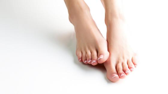 gelnagels op voeten in Goirle